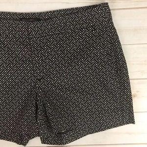 Banana Republic Shorts - <Banana Republic> Shorts Black White Diamond Print